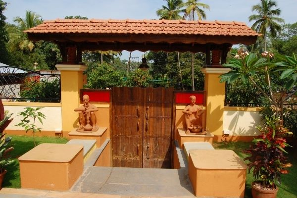 Martin's Comfort - Capture The Friendly Goan Atmosphere!